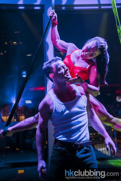 aerial-straps-emily-and-zac