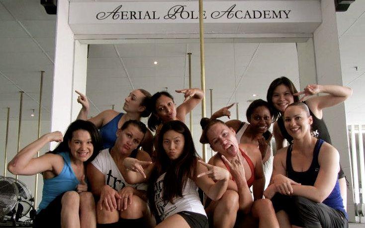 (from left) Mayra, Belle, Shelly, Sheryl, Carlie, Saalia, Nancy, EL